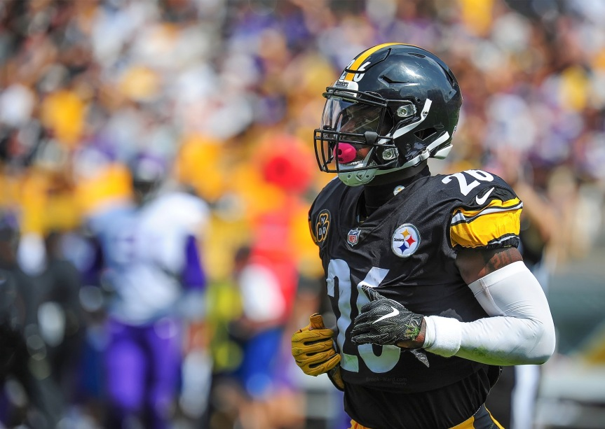 SATIRE: Le'Veon Bell Threatens to Sit Out, Retire from Rap Game if Mixtape Doesn't Reach 17M Listens on SoundCloud